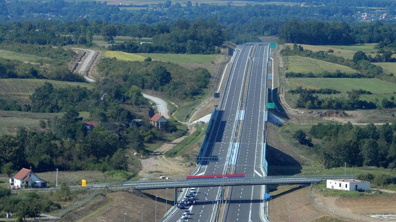 E-763 Magistral yolunda tikinti işləri: Belqrad– cənubi Adriatik,  hissə 1 Belqrad (Ostruznica) - Ljiq,  Kəsik 3 Obrenovac – Ub çərçivəsində asfalt beton tikintisi, Serbiya Respublikası